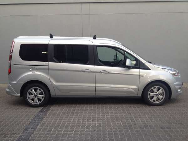 2015 ford tourneo connect modeli resmi