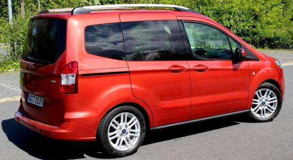 2015 yılı 2015 ford tourneo connect görselleri