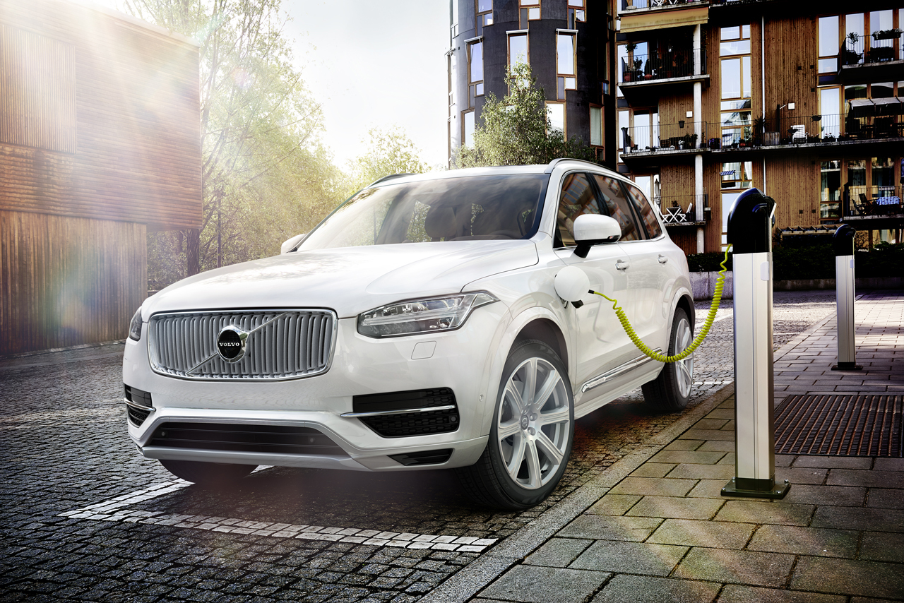 400 Horsepower Volvo XC90 T8 PHEV Gets Official - Gas 2