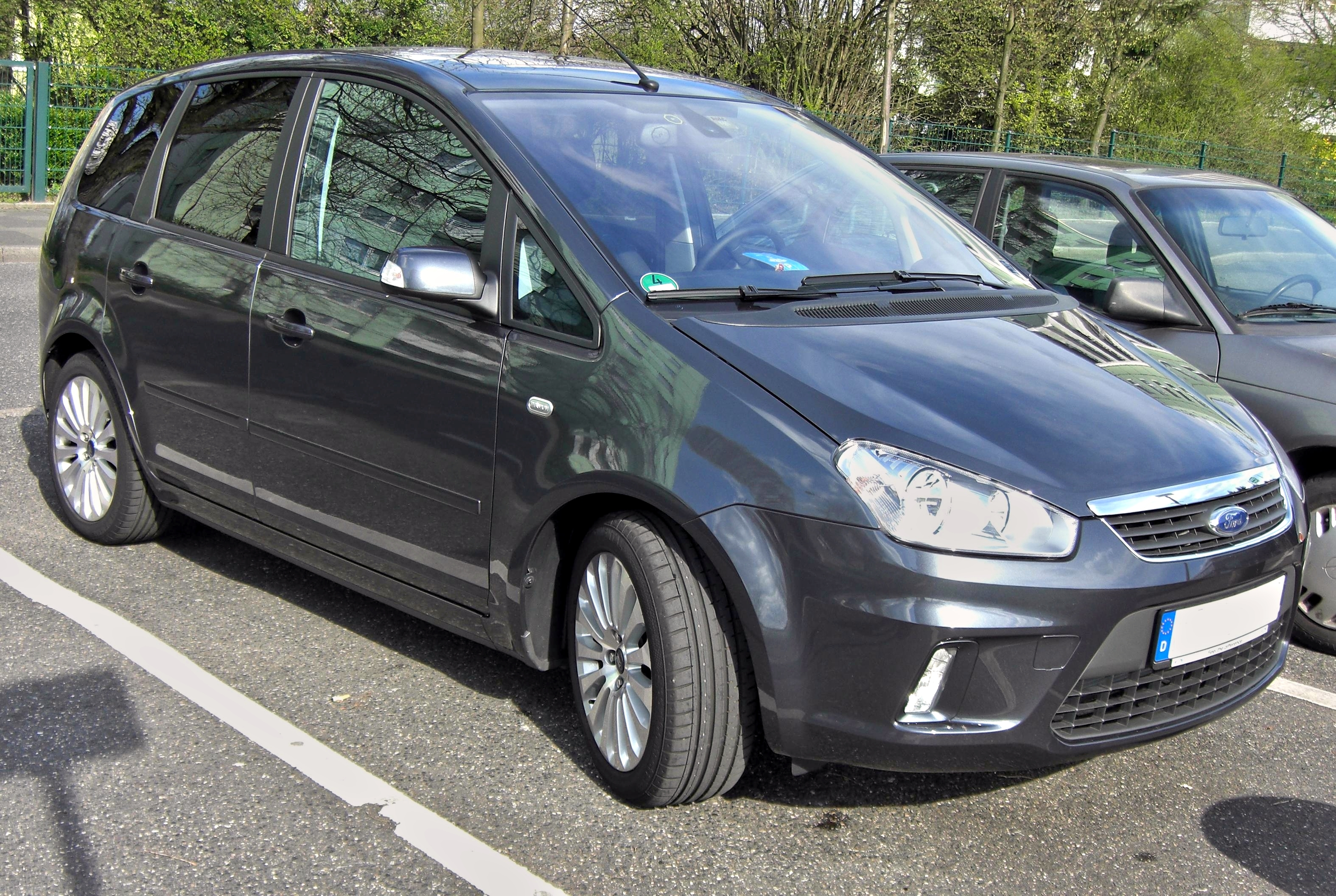 Ford C-Max - Wikipedia, the free encyclopedia