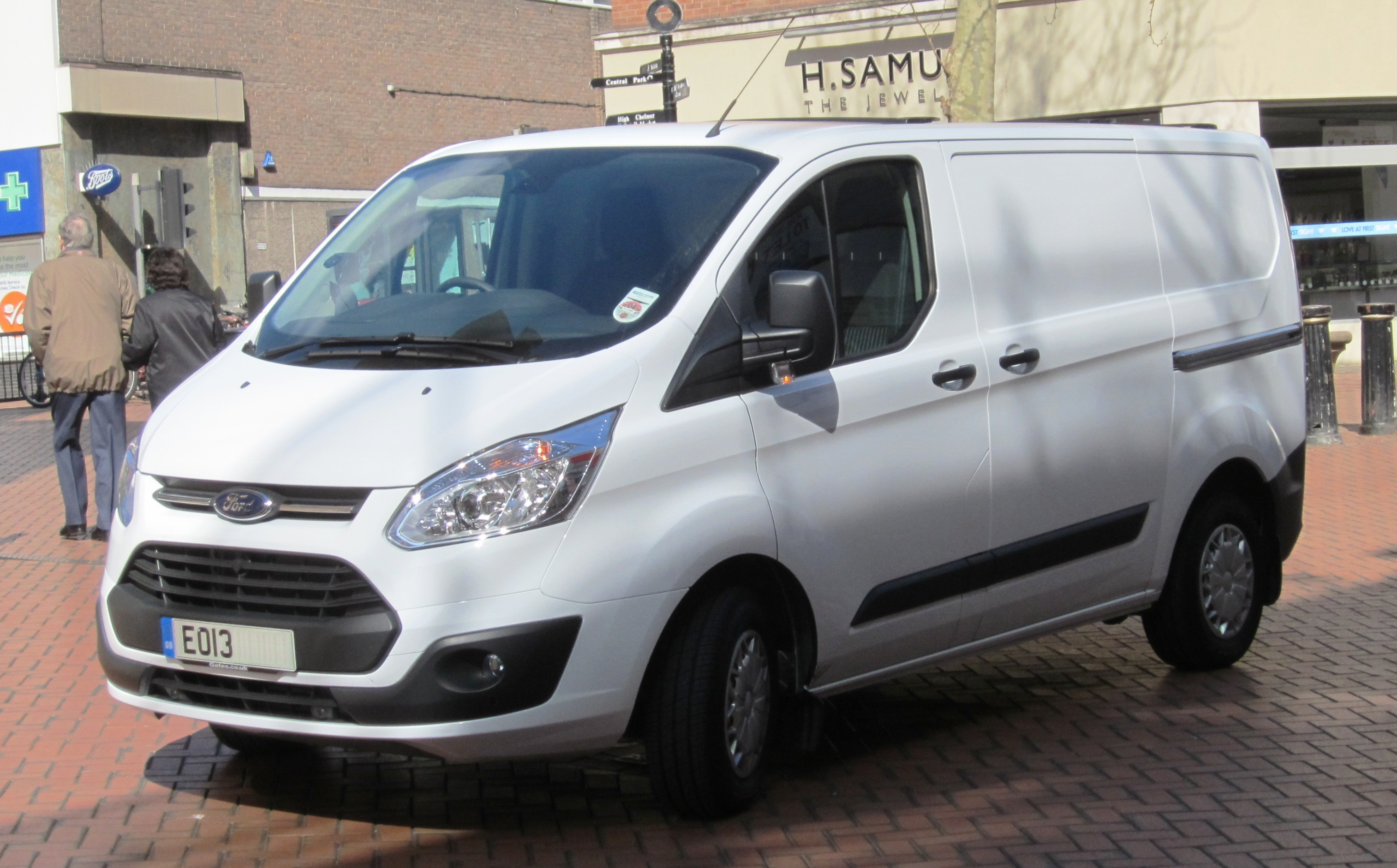 Ford Transit - Wikipedia, the free encyclopedia