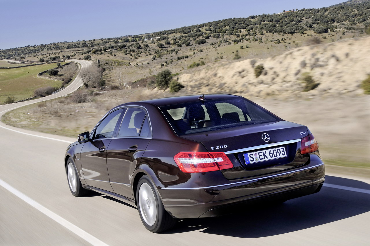 mercedes e 200 specifications