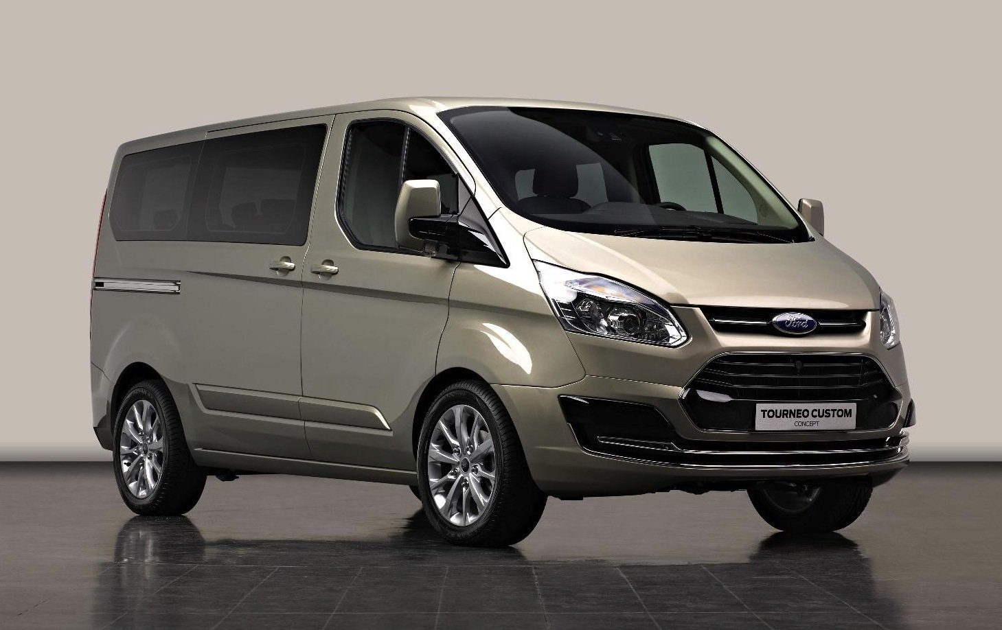 New Ford Transit previewed by Tourneo Custom Concept - Photos (1 of 6)