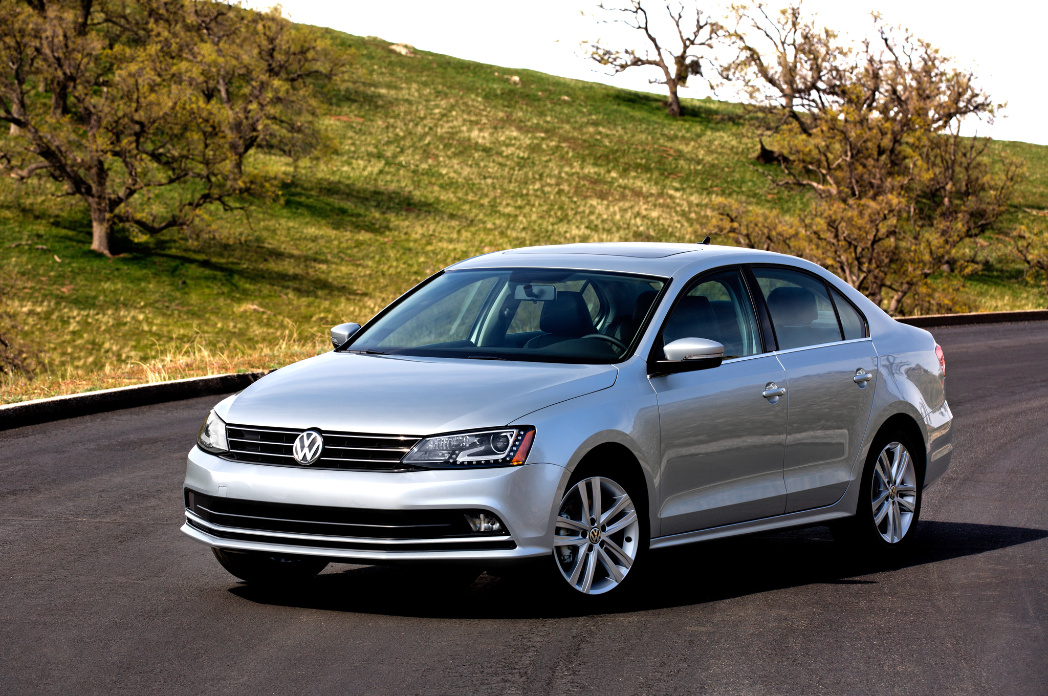 volkswagen jetta 2015 price in uae