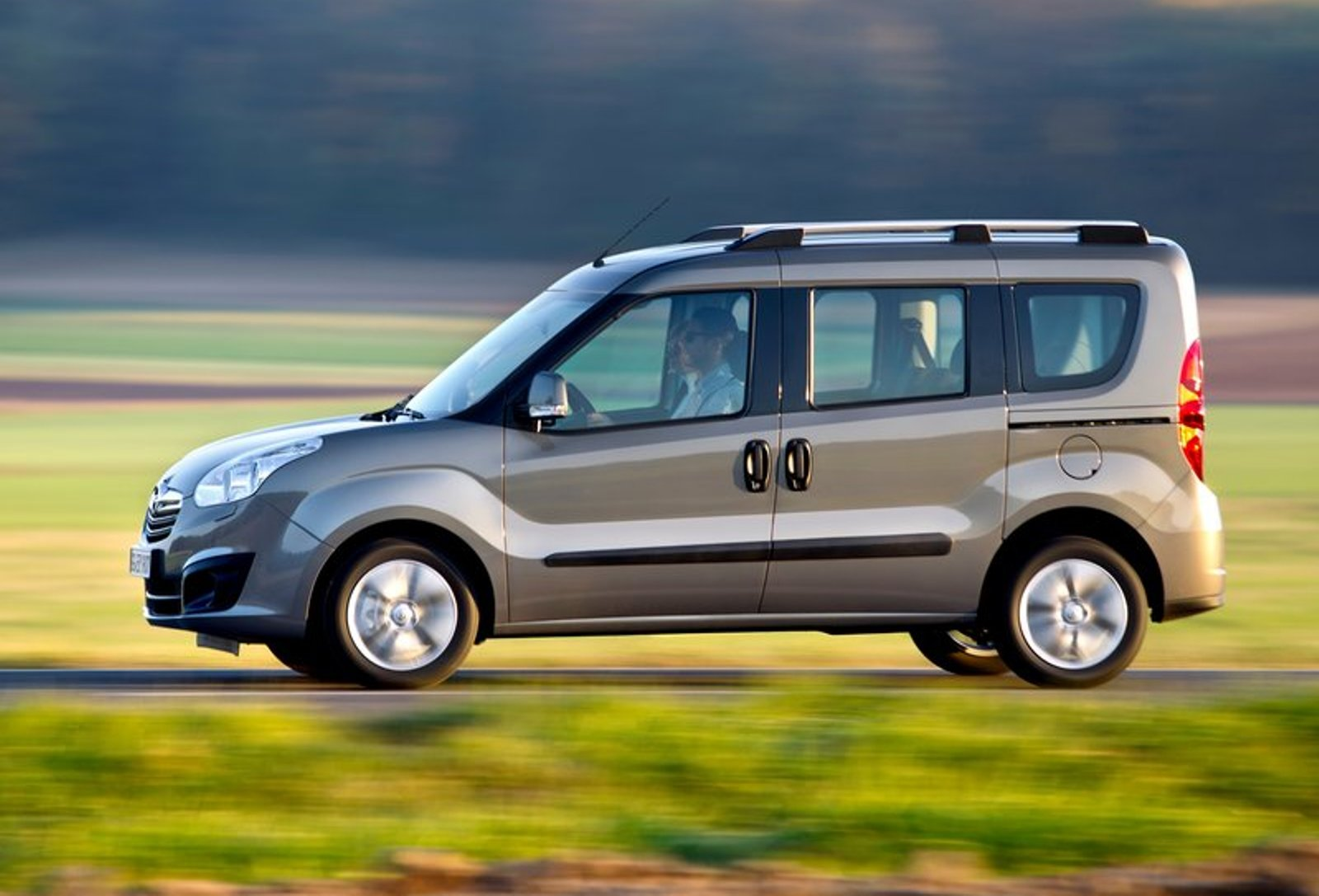 2012 Opel Combo Car Images #2414 Wallpaper | hdcarphotos.