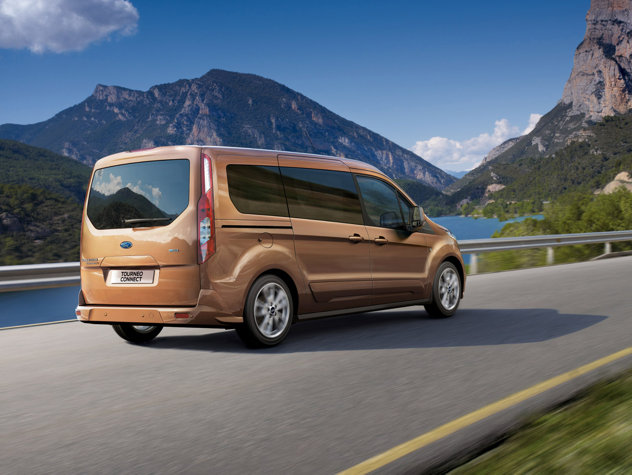 2014-ford-tranist-connect-wagon-3.jpg