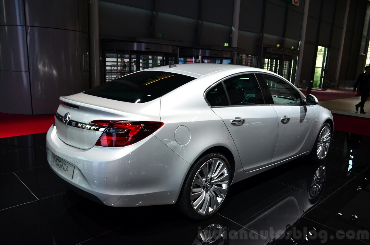 2015 Opel Insignia acceleration | Released 2015