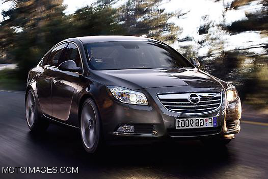 2015 Opel Insignia car and driver | Released 2015