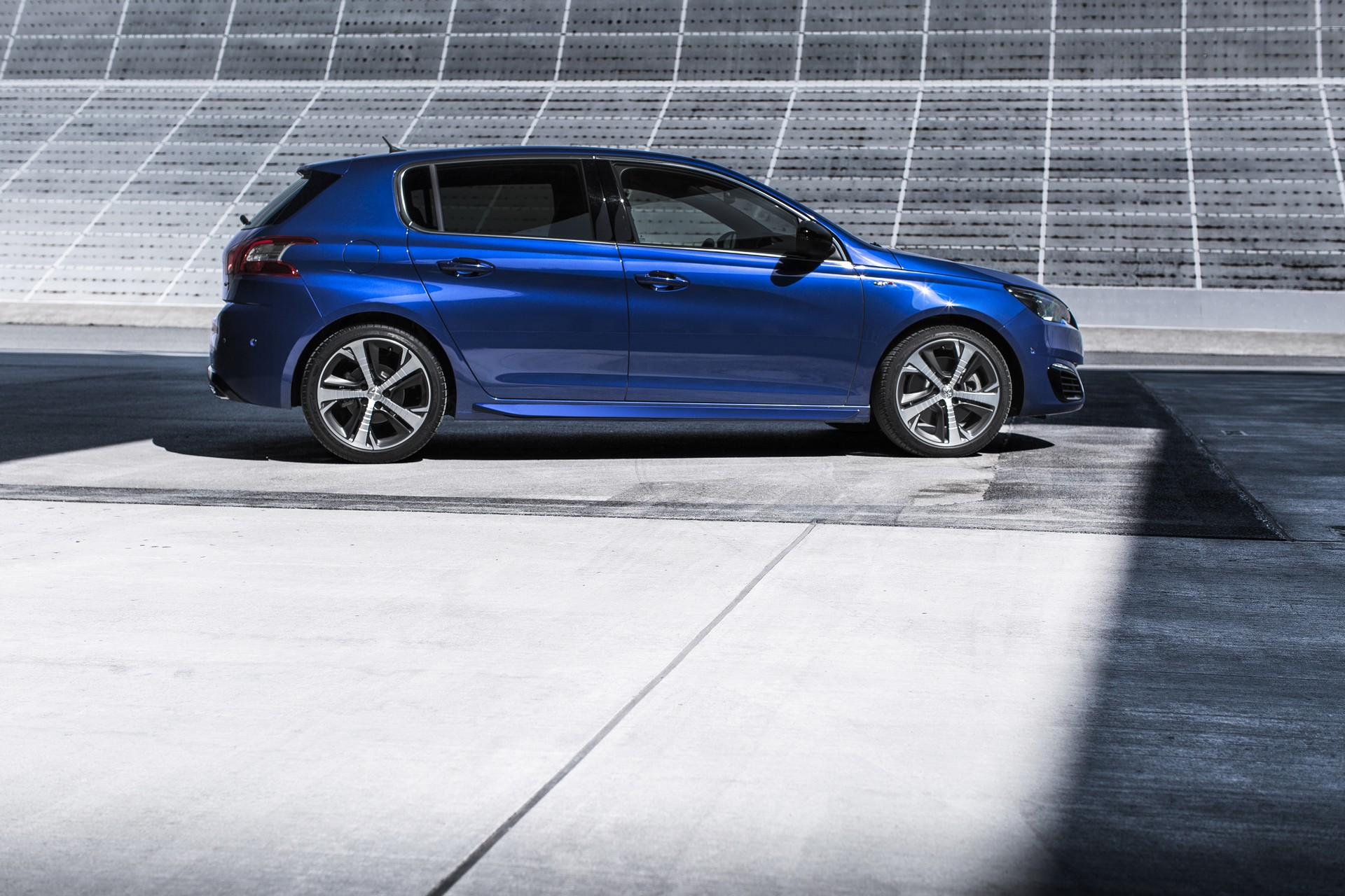 2015 Peugeot 308 GT 02 Images - Peugeot officially reveals 308 GT