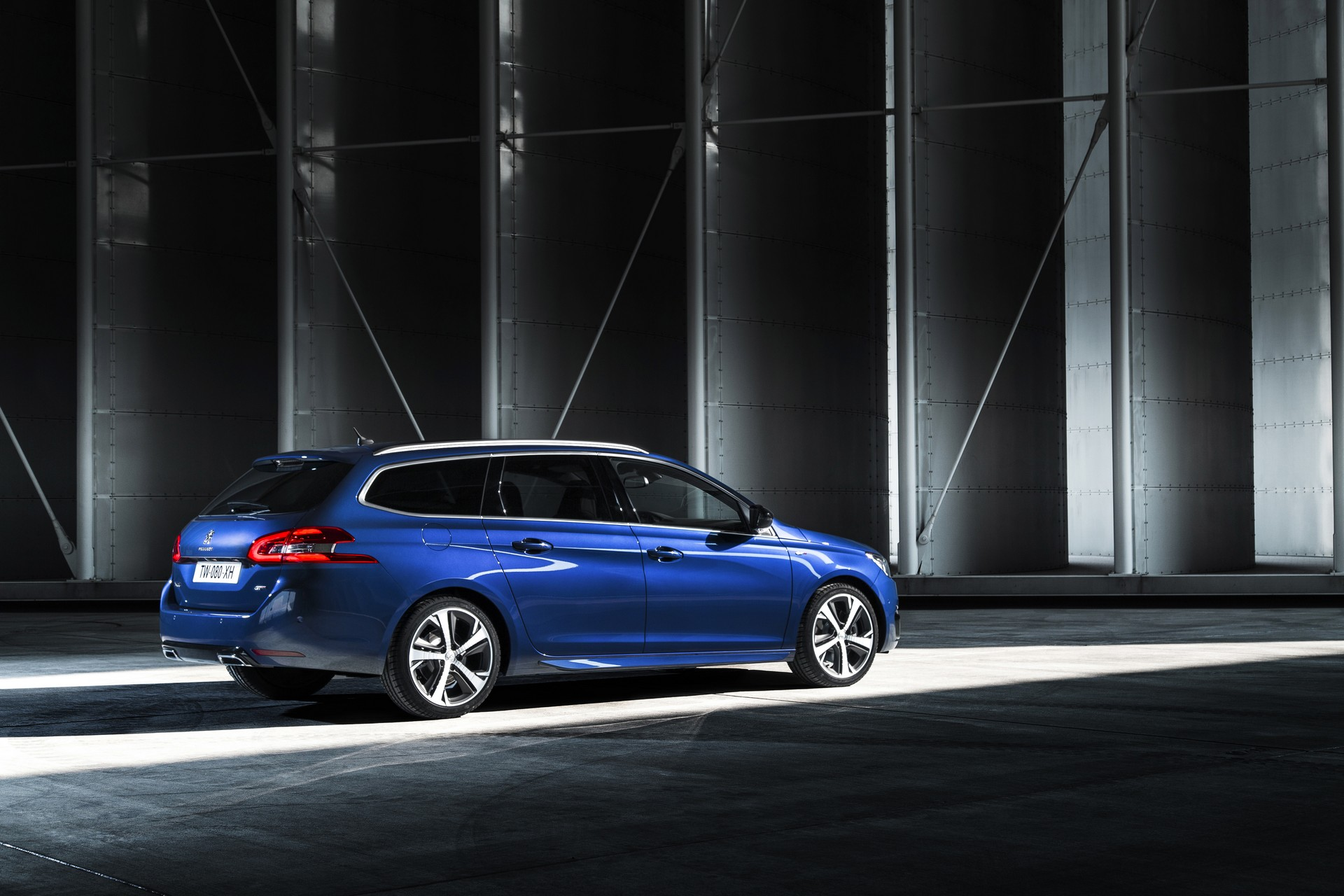 2015 Peugeot 308 GT 05 Images - Peugeot officially reveals 308 GT