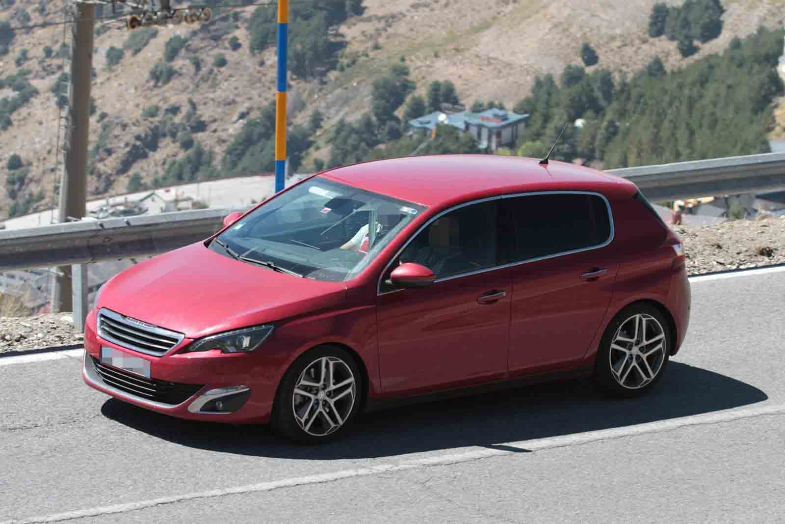 2015 Peugeot 308 GTI spied during final testing ahead of Paris