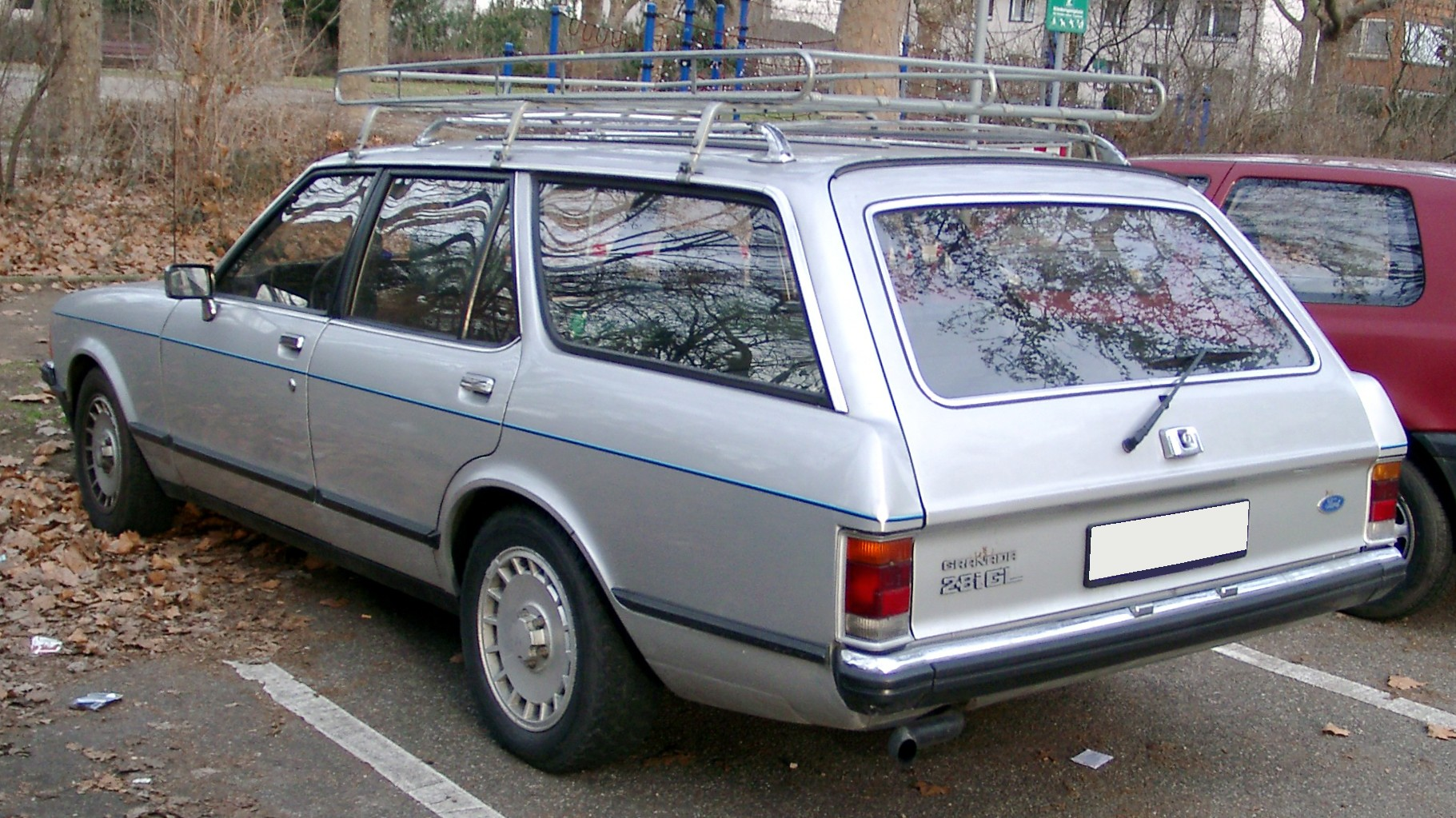 File:Ford Granada front 20080127.jpg - Wikimedia Commons