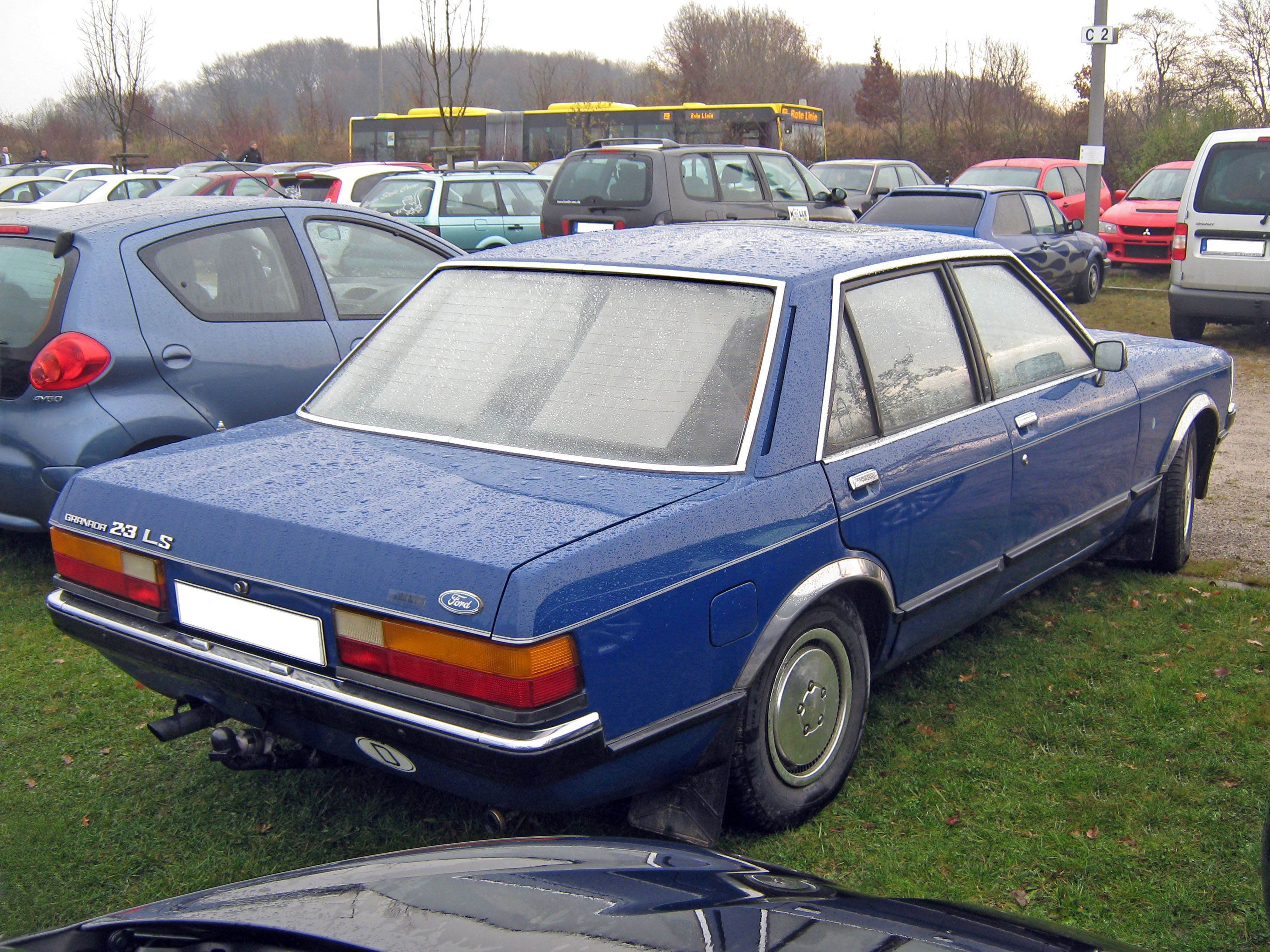 File:Ford Granada Limousine 4T Heck.JPG - Wikimedia Commons