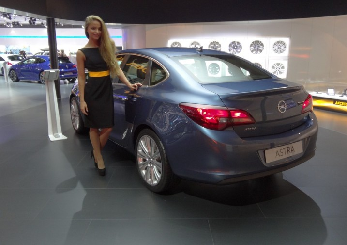 Moscow 2012: Opel first time presents the four-door Astra ~ Garage Car