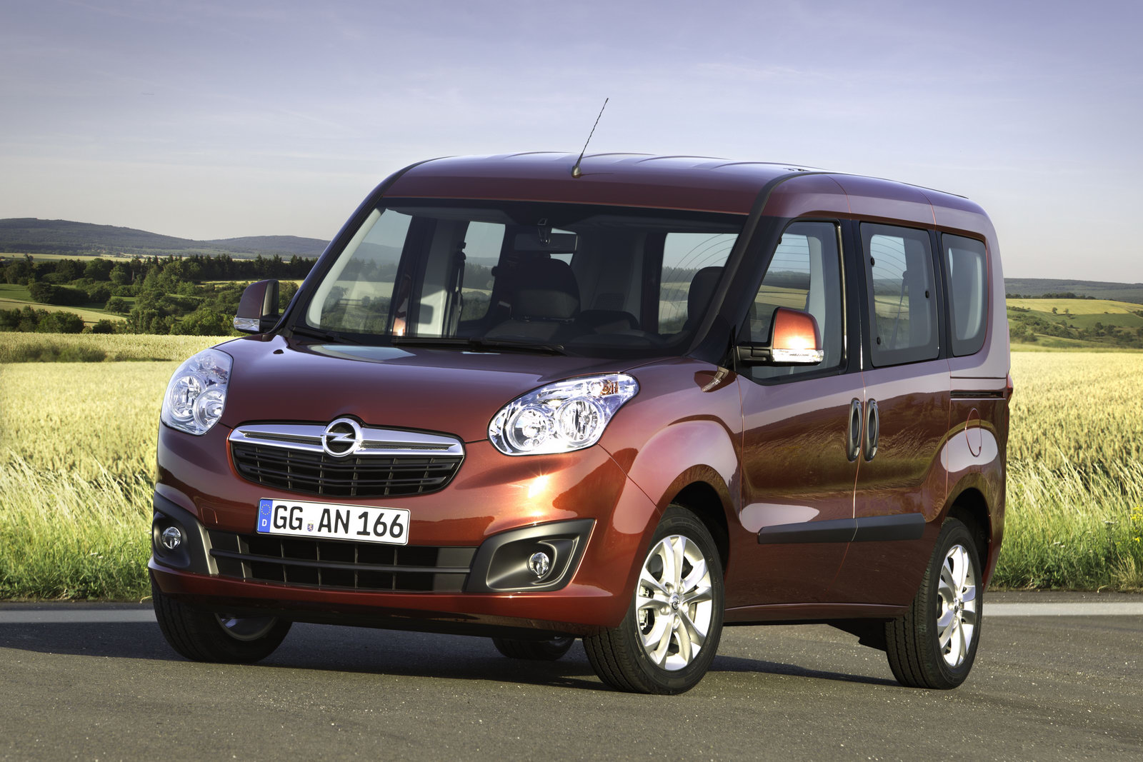 Opel reveals the new generation Combo commercial vehicle