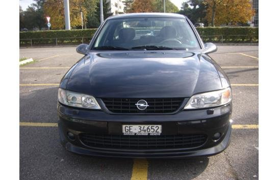OPEL Vectra 2.5i V6 i500 | CHF 5'200.- | Used car | auto-