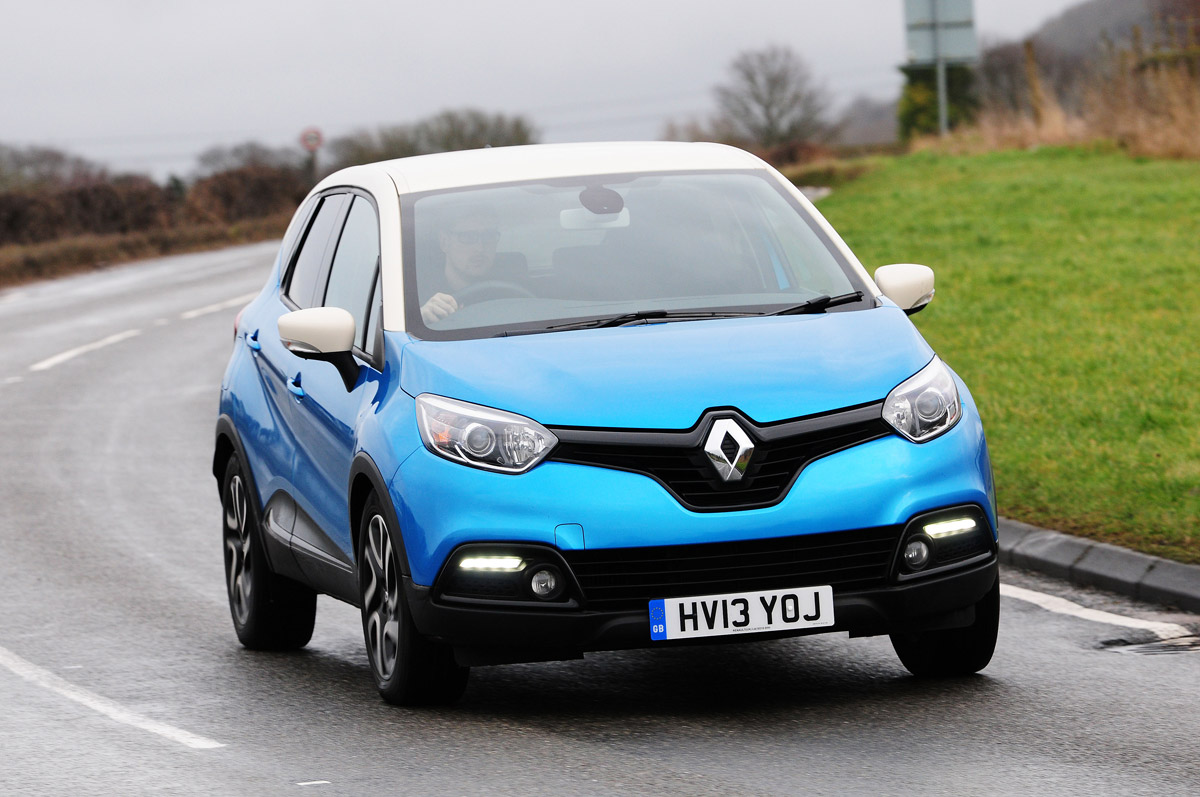 renault_captur_automatic_2014_action.jpg