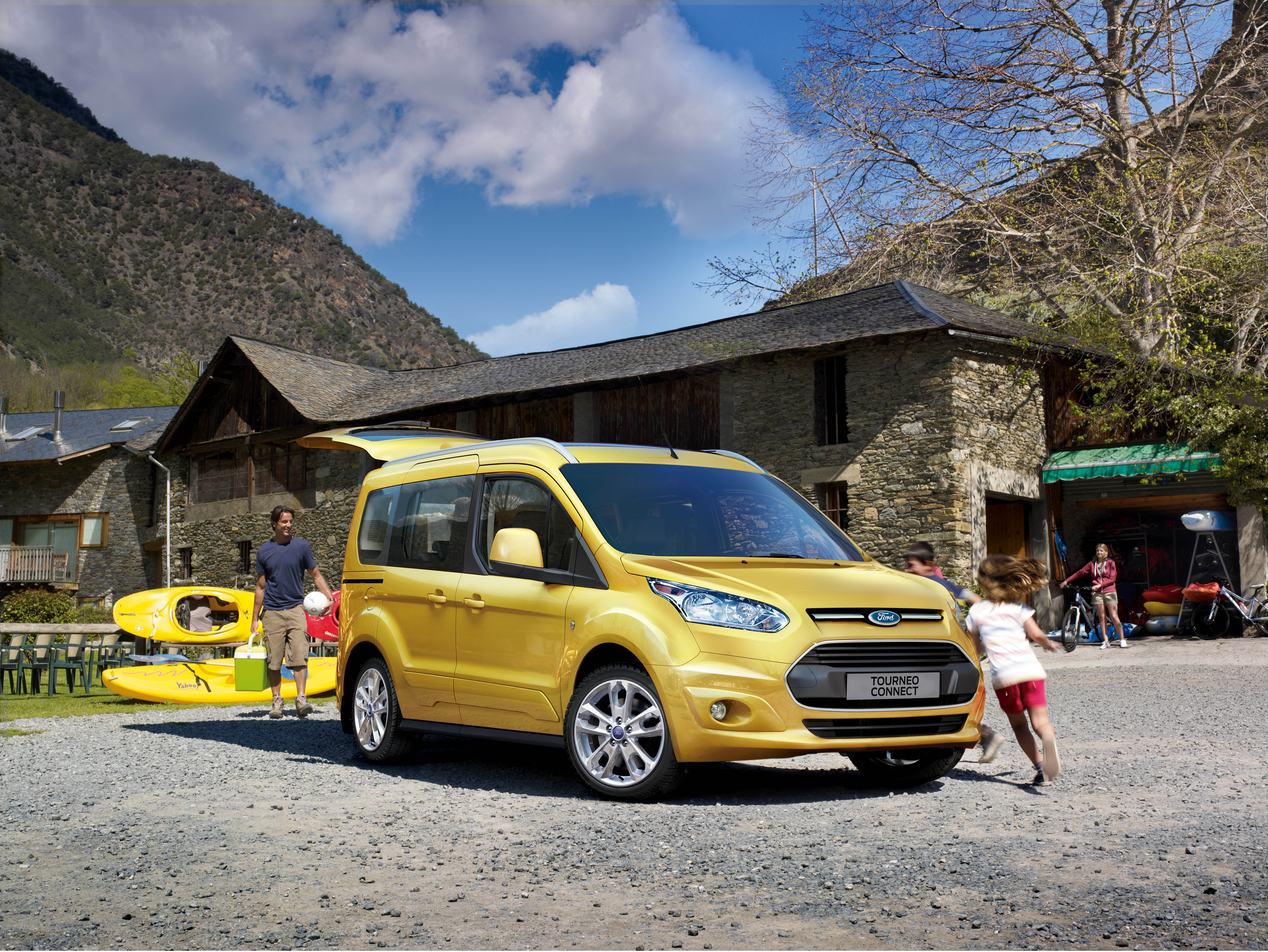 Yeni-Ford-Tourneo-Connect-01.jpg