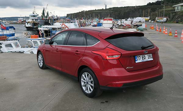 2015 ford focus images