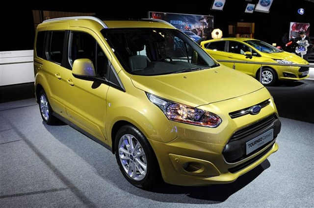 yeni ford transit connect 2015